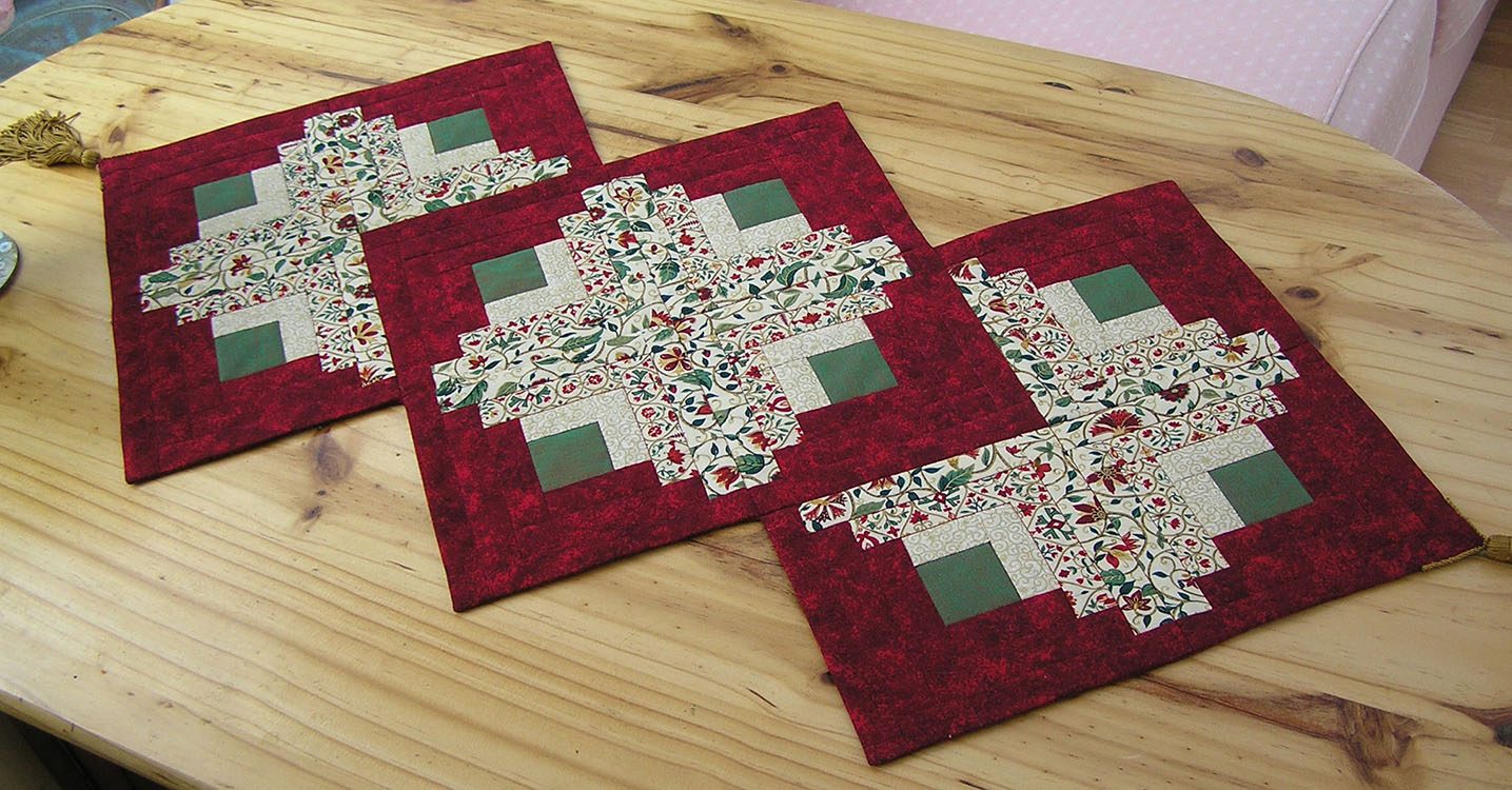 log Quilting & Harvest patterns runner Moon  table cabin Gallery: Workshops Patchwork